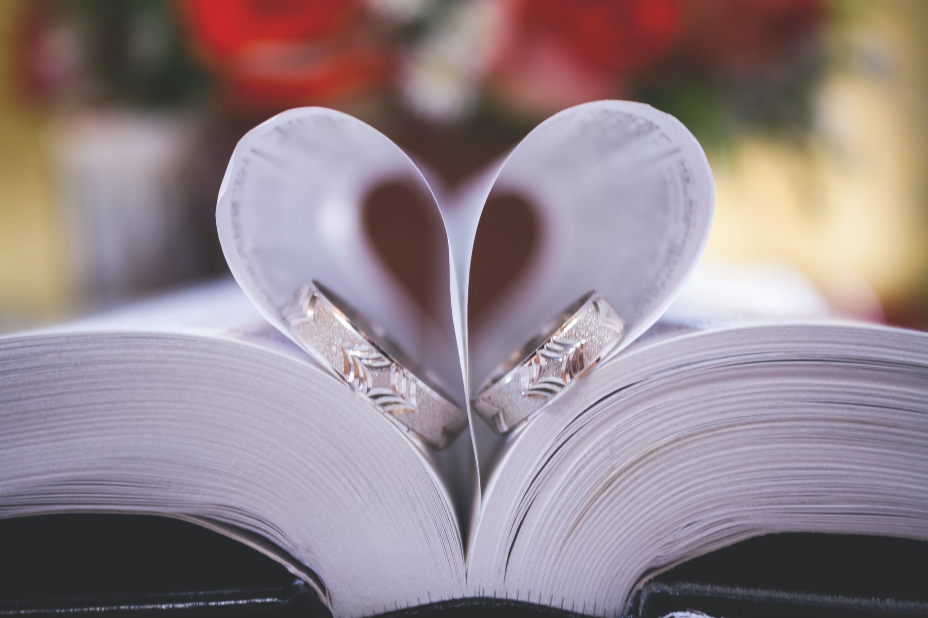 How To Create A Book For Wedding